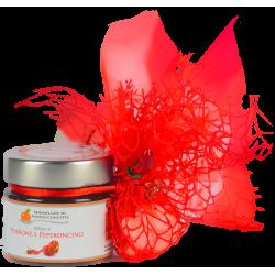 Bomboniera con Delizia di Peperone e Peperoncino sacchetto tulle e organza  rosso con 5 confetti