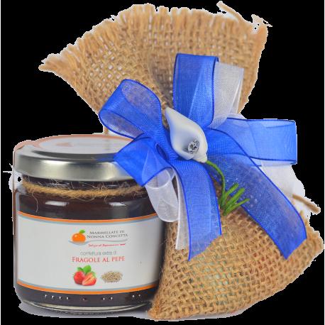 Bomboniera  confezionata con confettura extra di fragole al pepe sacchetto juta