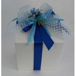 Bomboniera con Delizia di albicocca al profumo di anice stellato scatola cartone avorio fiocco raso blu' e celeste